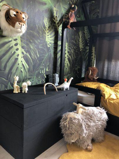 verrukkelijk-stoere-jongenskamer-als-kinderkamer-inspiratie-in-jungle-thema-kid-bedrooms-van-stoere-jongenskamer-833x1111.jpg